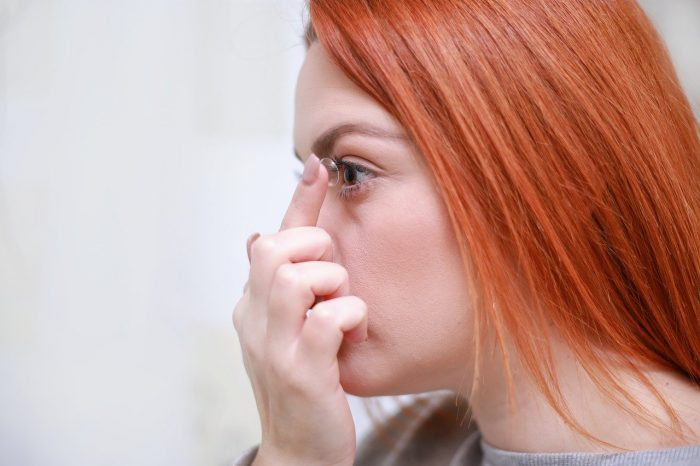 Woman wearing lenses